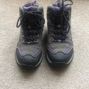 HIGHLAND CREEK ARDEN GRAY HIKING BOOTS SIZE 6